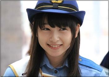 桜井日奈子の警官画像